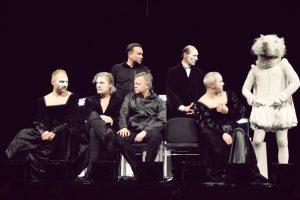 """O. Koršunovo """"Hamletui"""" Taivane skambėjo tūkstantinės publikos ovacijos"""