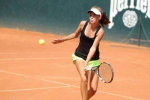 Lietuvos moterų teniso rinktinė neturėjo vargo pirmajame mače