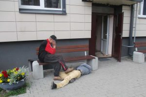 Namus galima renovuoti, gatves sutvarkyti, o kaip pažaboti girtuoklius?