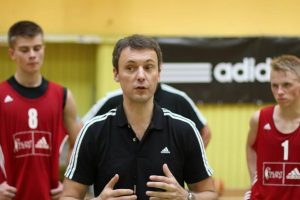 R. Paulauskas: kiekvienas treneris gali parodyti teisingą kelią jaunimui