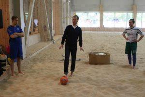Paplūdimio futbolas veržiasi į olimpiadą