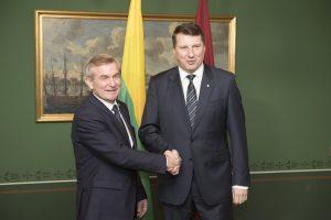 Seimo pirmininkas su Latvijos vadovais aptarė saugumo klausimus