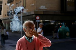 Rūkymo poveikis: paskatina mutacijas, kurios išlieka labai ilgai