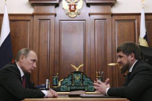 """V. Putinas R. Kadyrovą """"stato į vietą"""""""