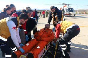 Prie Turkijos krantų nuskendus prekiniam laivui žuvo šeši žmonės