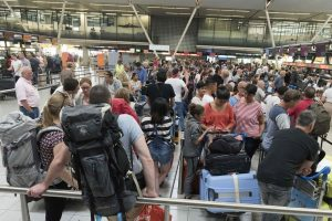 Olandijoje dėl keistų kvapų trumpam buvo uždarytas oro uostas