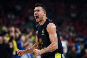 """""""Fenerbahce"""" krepšininkai pratęsė pergalių Eurolygoje seriją iki penkių"""