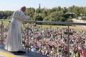 Krokuvoje popiežius lanko su lenkų šventaisiais susijusias vietas