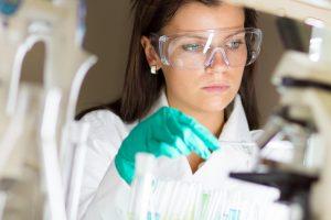 Mokslininkas: nanorobotai ateityje gali būti pritaikomi ligų diagnozavimui ir gydymui