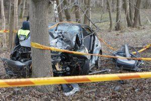 Per savaitę avarijos pasiglemžė keturių žmonių gyvybes