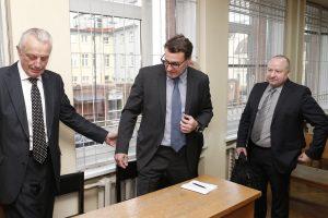 """""""Naftos grupės"""" vadovams – kalėjimas, turės atlyginti per 20 mln. eurų žalos"""
