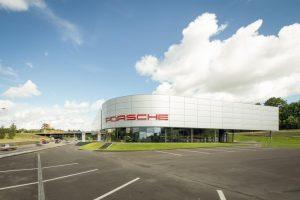 """""""Porsche"""" centrui žaliąją elektros energiją tieks moderni saulės elektrinė"""