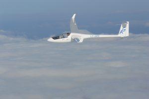 Lietuvių sklandytojai pasiryžę įveikti Australijos debesis