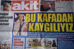 Turkijos dienraštis Vokietijos lyderę pavaizdavo panašią į A. Hitlerį