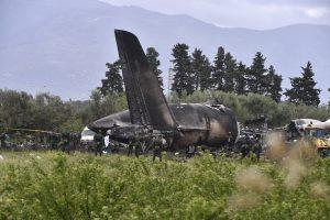 Alžyre sudužus lėktuvui žuvo mažiausiai  257 žmonės