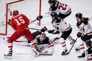 Kelialapius į pasaulio ledo ritulio čempionato pusfinalį iškovojo Kanada ir JAV
