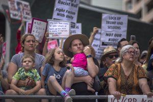 Kodėl net po skandalo dėl vaikų D. Trumpo reitingai lieka stabilūs?