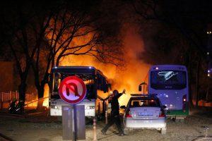 Turkija dėl pražūtingo išpuolio kaltina kurdų kovotojus ir Sirijos pilietį