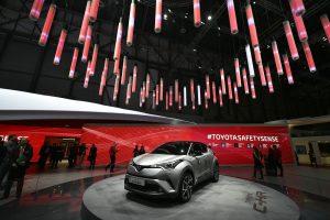 Ženeva žvelgia į automobilių ateitį