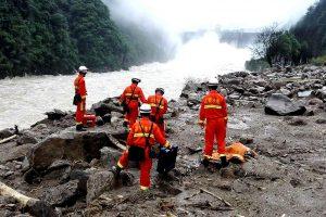 Kinijoje po žemės nuošliauža dingo 34 darbininkai