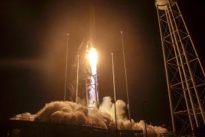 """JAV bendrovė """"Orbital"""" į kosminę stotį pasiuntė krovininę kapsulę"""