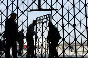 Pavogti nacių koncentracijos stovyklos vartai rasti Norvegijoje