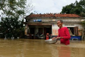 Vietname per potvynius žuvo 24 žmonės