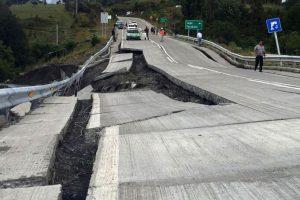 Čilę sukrėtė 7,7 balo žemės drebėjimas, perspėta apie cunamio galimybę