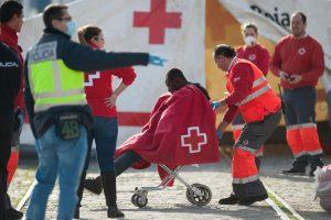 Migrantai šturmavo Ispanijos anklavo sieną