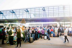 Briuselio oro uoste dingo elektra, įstrigo šimtai keleivių