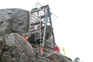 Norvegijoje atkurta vandalų nuniokota Trolpikeno uola