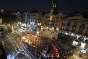 """""""Nebijanti"""" Barselona demonstracijoje smerkė terorizmą"""