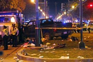 Tragiškos Užgavėnės JAV: sunkvežimis rėžėsi į minią (sužeisti 28 žmonės)