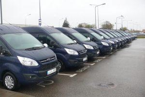 Į 20 neįgaliųjų organizacijų išvyko specialūs nauji mikroautobusai