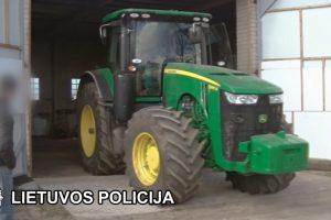 Kretingos rajone pavogtas traktorius rastas griovyje
