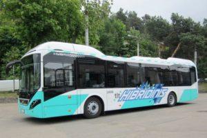 """Vilniaus gatves išbandė hibridinis """"Volvo"""" autobusas"""