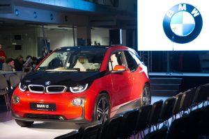 BMW koncerno viceprezidentas Vilniuje pristatė BMW ateities automobilių technologijas