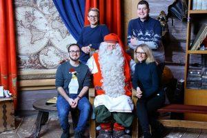 Vizitas pas Kalėdų Senelį: 40 eurų už nuotrauką ir dvi paros automobilyje