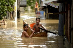 Filipinuose potvynio aukų daugėja