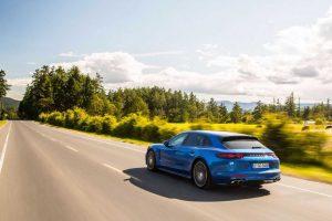 """""""Porsche Panamera Turbo Sport Turismo"""" pelnė laurus"""