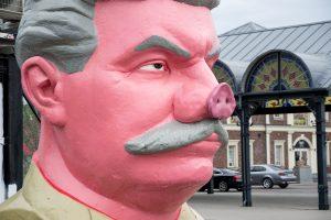 Kiaulianosis Stalinas ir toliau kelia sumaištį kauniečių galvose
