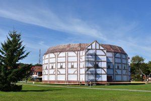 Neringoje – įspūdinga viduramžių teatro kopija