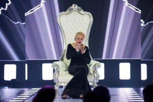 """""""Eurovizijoje"""" Mia trenkė durimis palikusi savo sostą"""