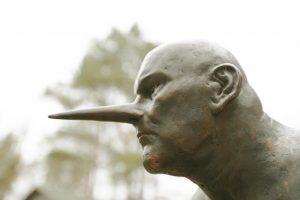 Skulptūra Europos parke žymės Teatrų metus