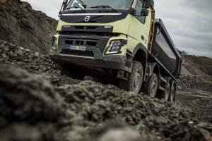 """""""Volvo Trucks"""" pristato penkis naujus sunkvežimių sprendimus"""