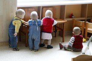 Dauguma savivaldybių kūdikių globos permainoms nepasirengusios