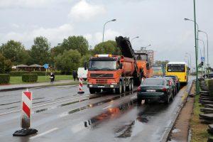 Kelininkų darbams trukdo lietus