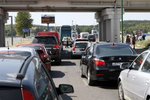 Neringa pažabojo mašinų srautus