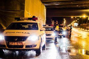 Papiktino policininkų pasala po viaduku