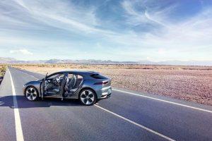 """""""Jaguar"""" elektromobilių era prasideda: pristatytas visureigis """"I-Pace"""""""